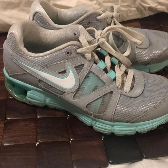 0374eba2bb0d Nike women s shoe. M 5a6bbb0e6bf5a6018c4b22c8